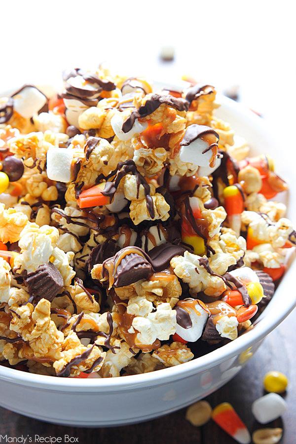 Caramel Popcorn Snack Mix